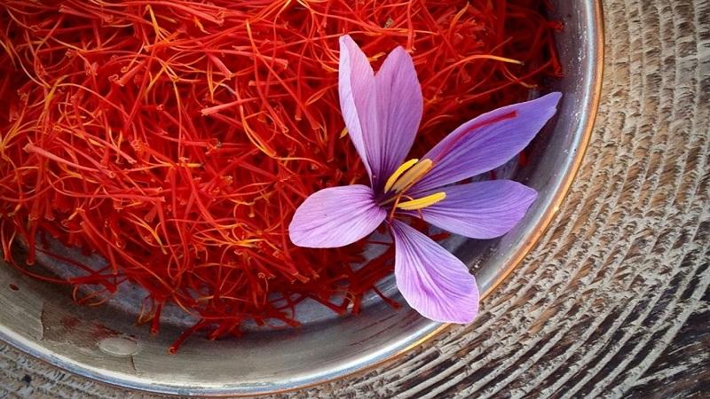نکته های مهم در مصرف و نگهداری زعفران