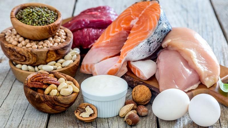 خانمها به چه مقدار پروتئین در روز نیاز دارند؟