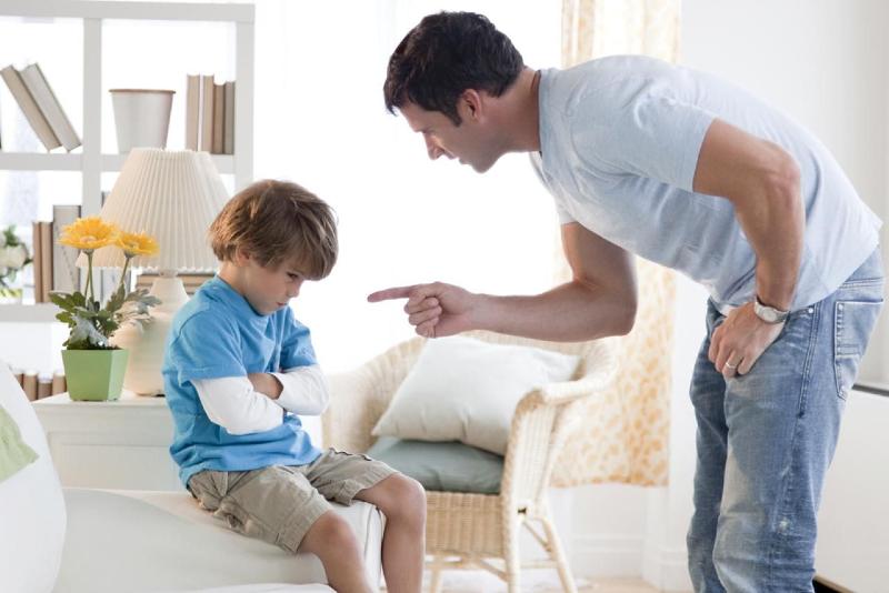 عواقب حمایت و بیتوجهی بیشاز حد به کودک
