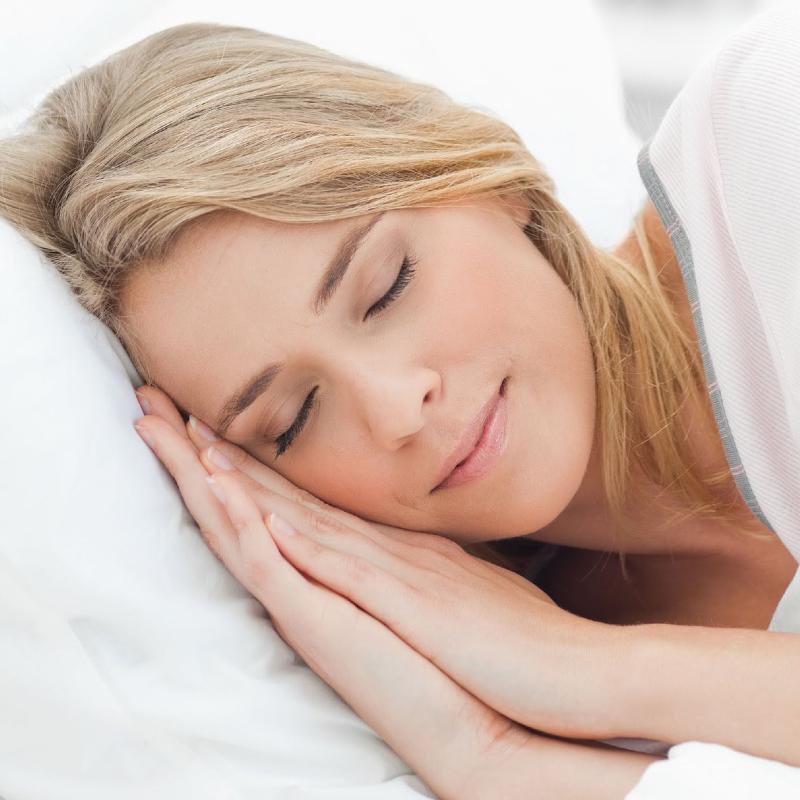 خوابیدن با موهای خیس ممنوع