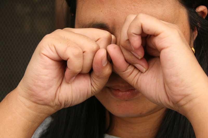 دلایل خشکی و سوزش چشم های شما چیست؟