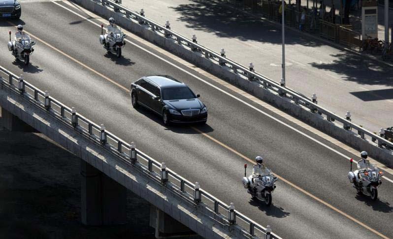 اسکورت خودرو رهبر کره شمالی در چین + عکس