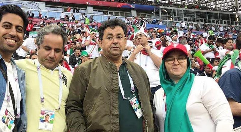پدر و مادر سردار آزمون در استادیوم  (عکس)