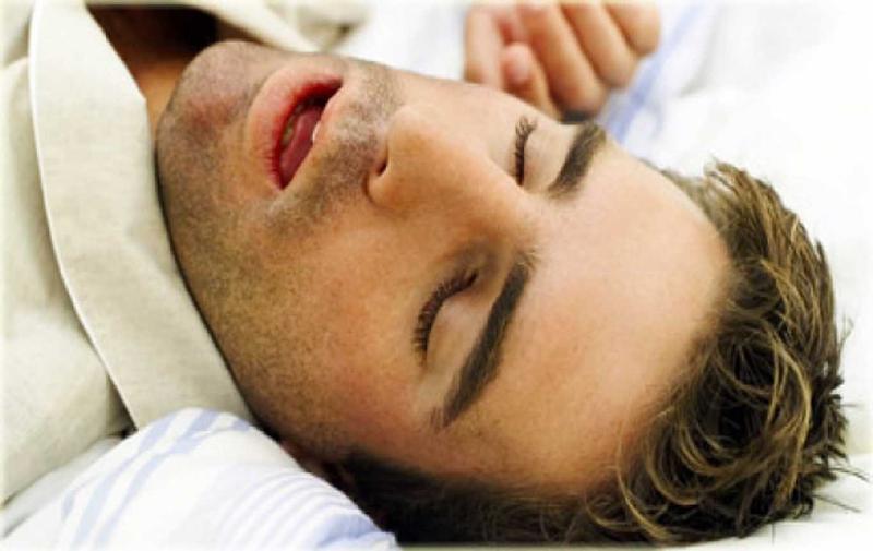 علت ریختن آب دهان هنگام خواب چیست ؟