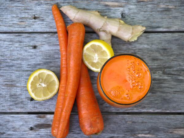 6 دلیل مهم برای آنکه آب هویج را با زنجبیل مخلوط کنید