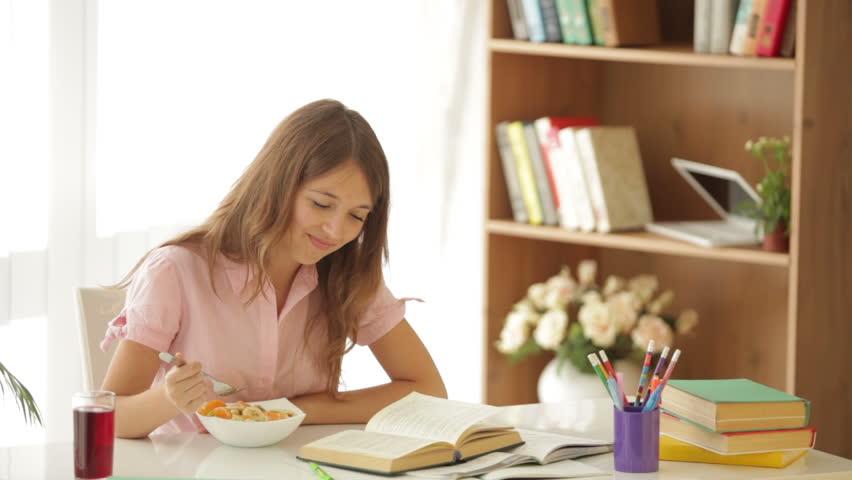 توصیههای تغذیهای برای کنکوریها در هفته پایانی