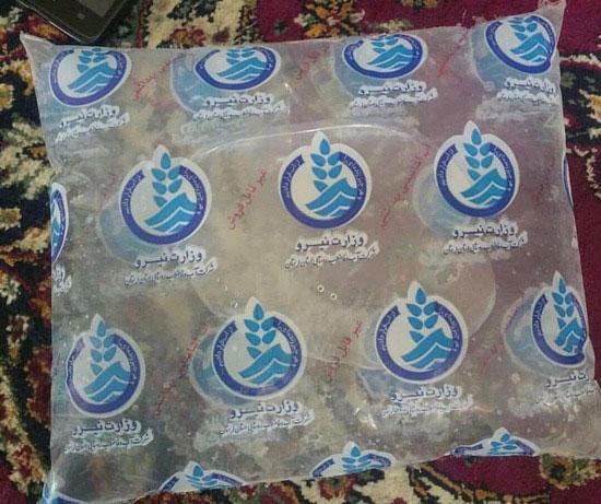 توزیع آب بسته بندی شده در خوزستان + عکس