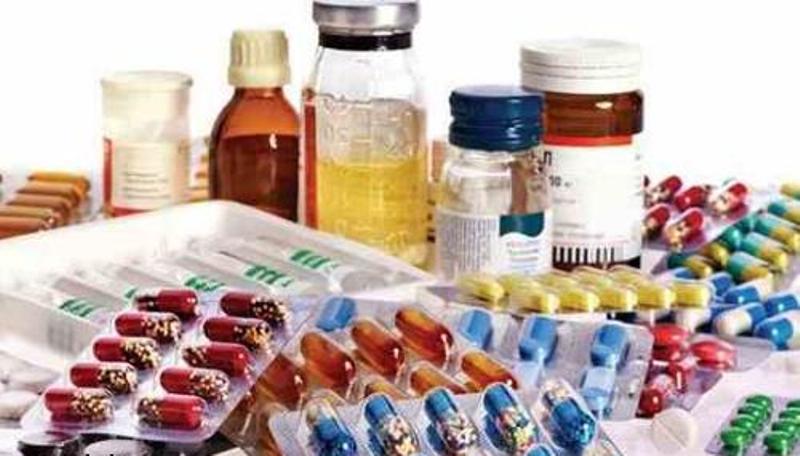 قیمت مصوب تمام داروها در دسترس مردم قرار دارد