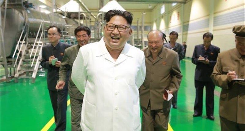 رهبر کره شمالی بعد از مدتها در مقابل دوربینها + عکس