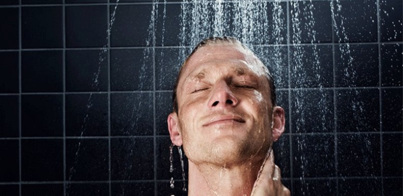 ۱۰ فایده دوش آب سرد برای سلامتی