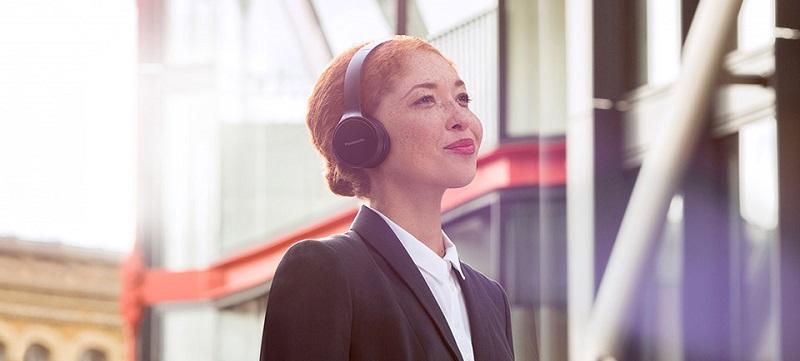 عامل وزوز گوش جوانان چیست؟