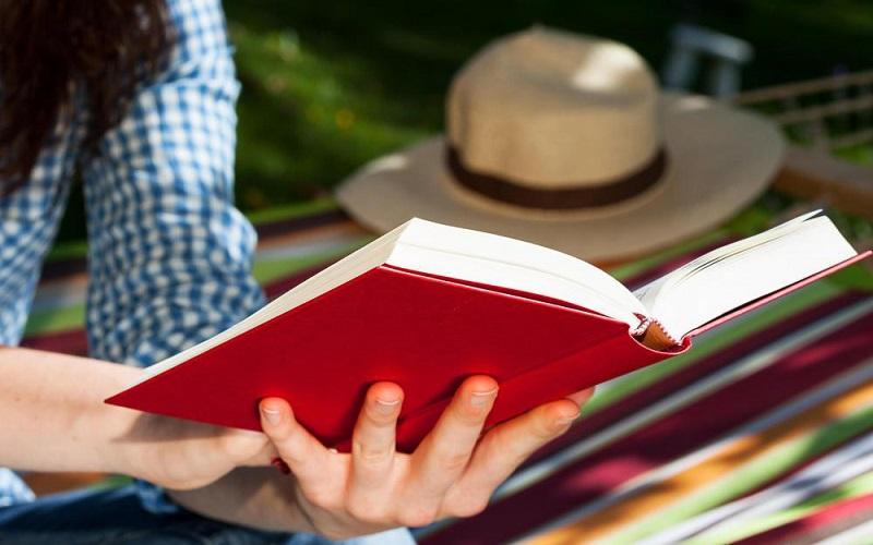 ۷ دلیل برای اینکه همین الان شروع به خواندن کتاب کنید