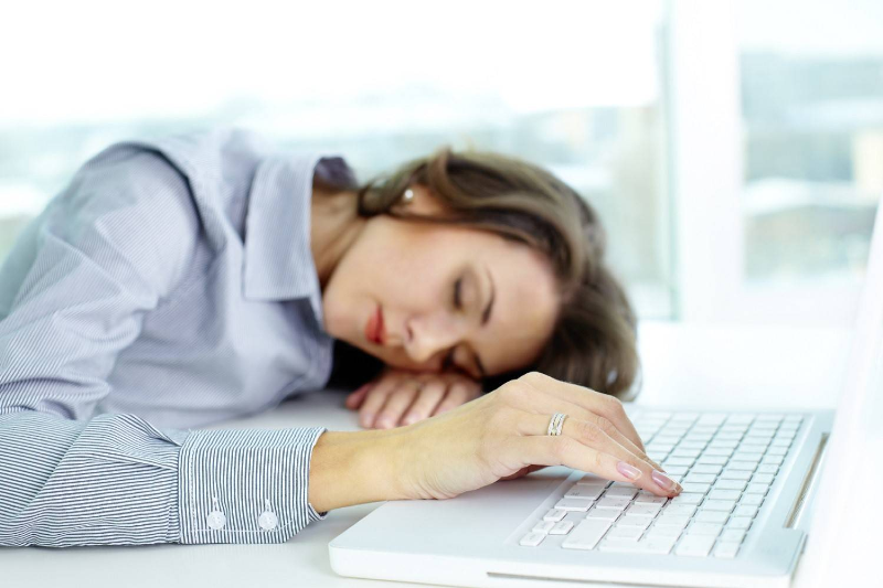 دلیل خستگی زنانی که همیشه خسته اند