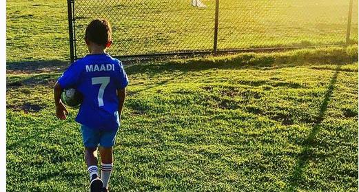 فرزند پیمان معادی فوتبالیست میشود! + عکس