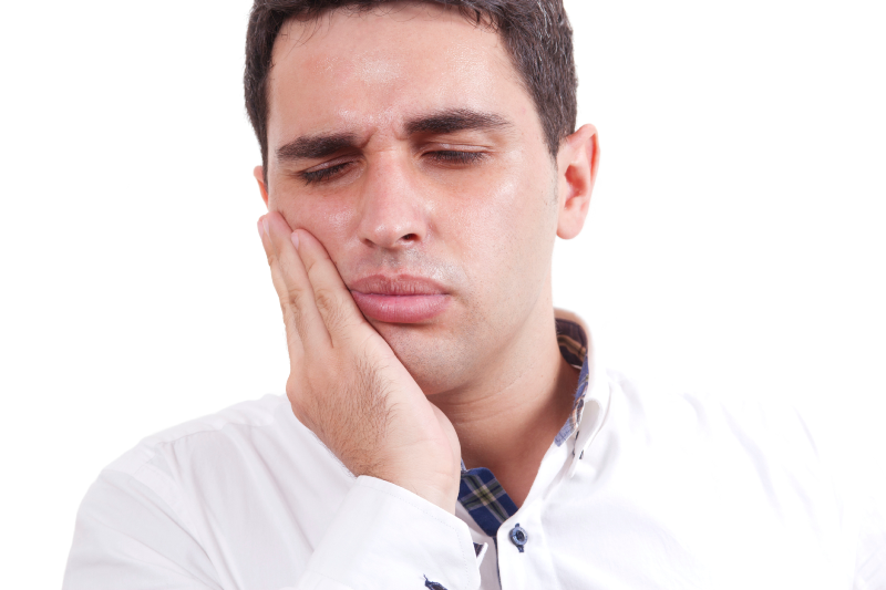 دلایل ایجاد حساسیت دندان و درمان خانگی آن