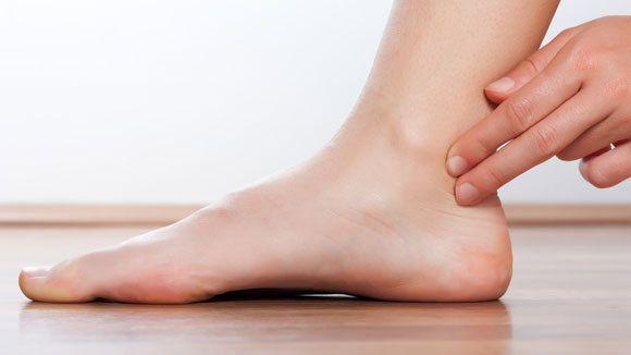 پاهای شما علائم مسدود شدن سرخرگ را نشان میدهند