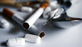 ۵ علت گرایش افراد به مواد اعتیادآور