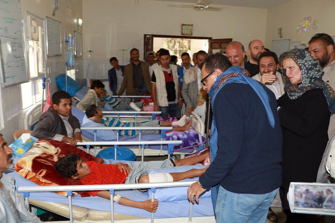 اشکهای نماینده سازمان ملل هنگام بازدید از بیمارستانی در یمن + عکس