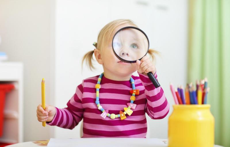 به کودک زیر 7 سالم آموزش الفبا بدهم؟