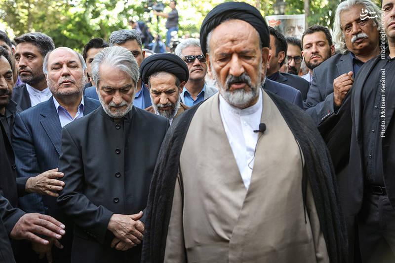امام جمعه تهران در مراسم تشییع عزت الله انتظامی + عکس