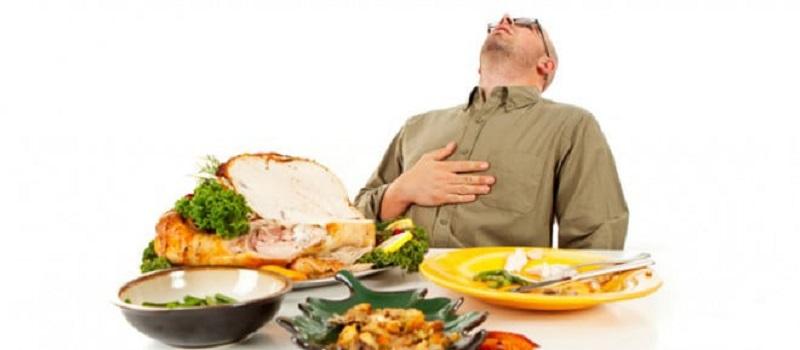 علائم فساد غذا در معده چیست؟
