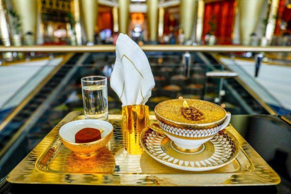کاپوچینو با طلای ۲۴ عیار در دبی! + عکس