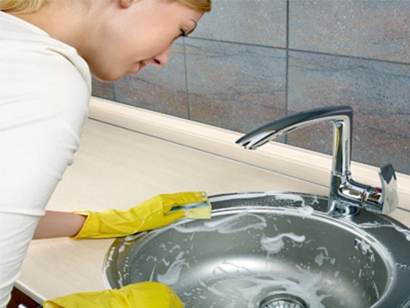 از بین بردن بوی چاه آشپزخانه با یک ترکیب خانگی
