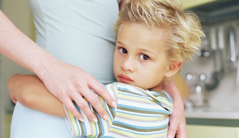 آیا فرزندتان بیش از حد به شما وابسته است؟