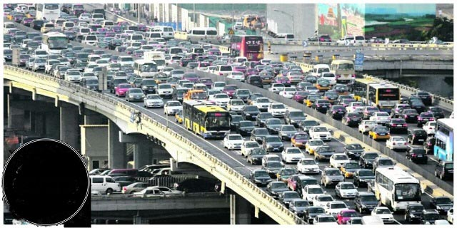 ترافیکی که در آن ۳ نفر فوت و ۲ نفر به دنیا آمدند! + عکس