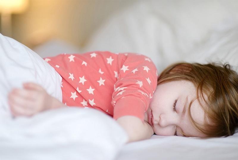 6 افسانه در مورد خواب؛ از خوردن شیر تا تاثیر پنیر