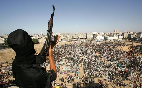 چطور از حملات تروریستی و تیراندازی جان سالم به در ببریم؟ + اینفوگرافیک