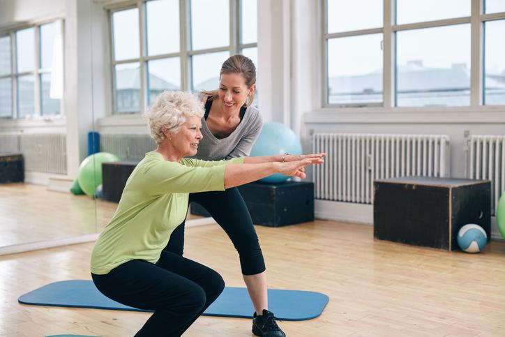 انجام این حرکات ورزشی برای افراد بالای ۵۰ سال، ممنوع