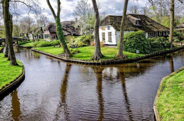گیتورن دهکده ای بدون جاده در هلند+عکس
