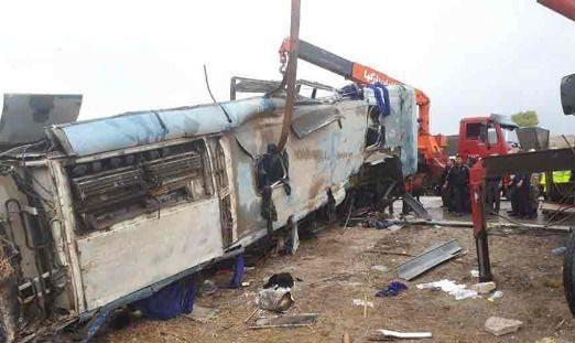 تصاویرجدید از تصادف اتوبوس دانش آموزان (عکس)