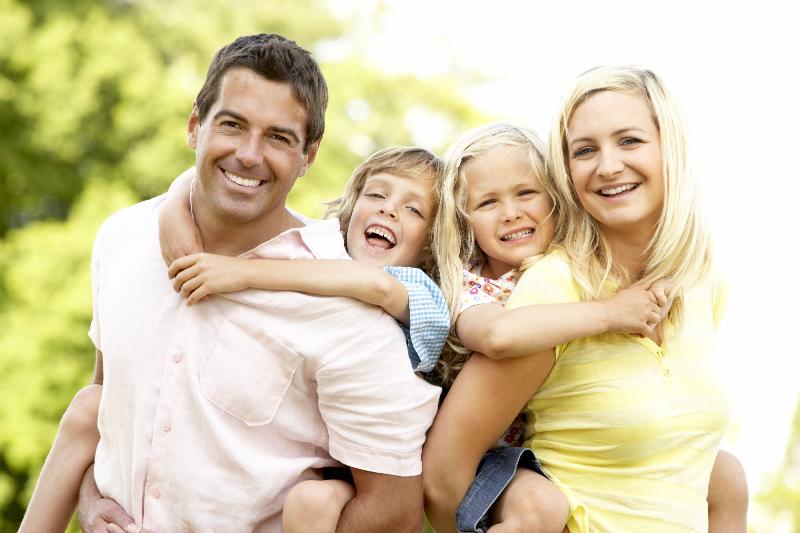والدین در شکل گیری شخصیت فرزندان نقش موثری دارند