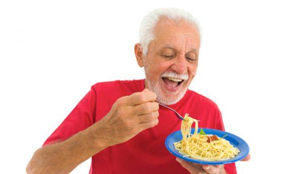 نکات تغذیهای که سالمندان باید رعایت کنند