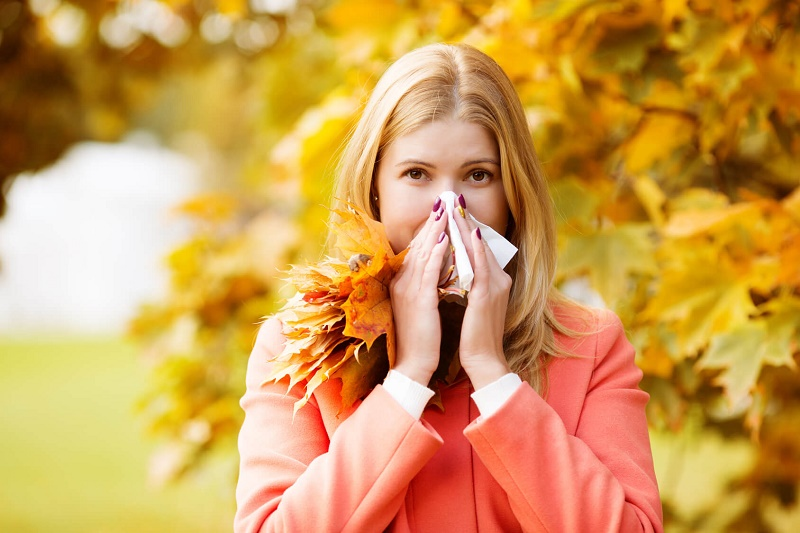 شایعترین بیماری های فصل پاییز و راهکارهای طب سنتی