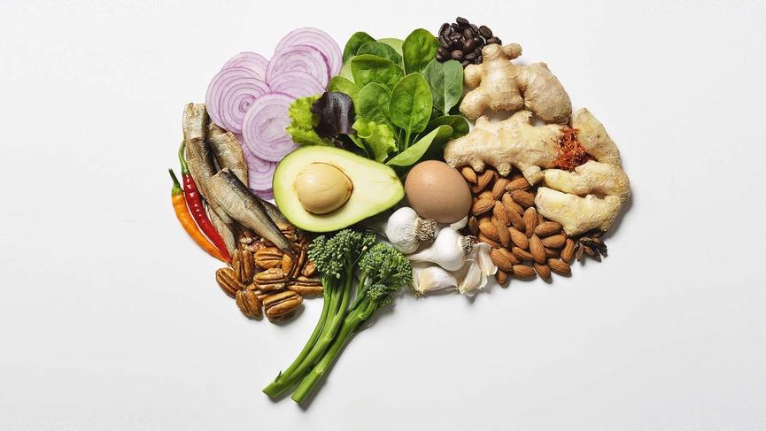 برای جلوگیری از کوچک شدن مغز این خوراکی ها را هر روز بخورید