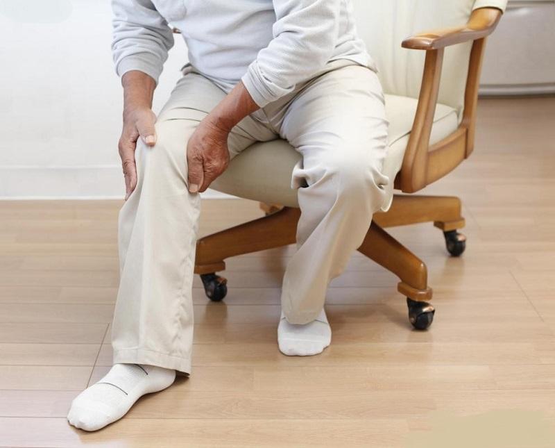علت درد پا پس از نشستن یا ایستادن طولانی مدت