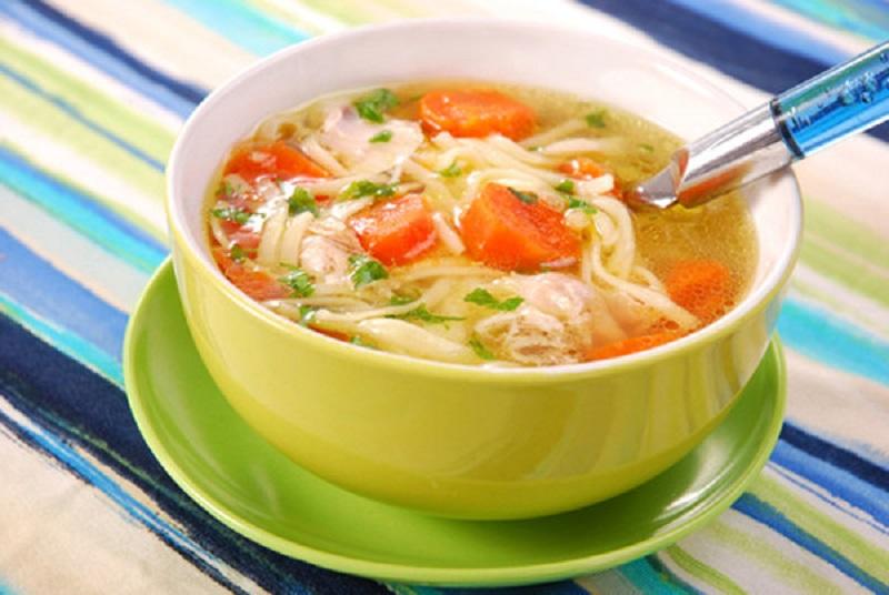 اگر سرماخورده اید از این 8 ماده غذایی غاقل نشوید