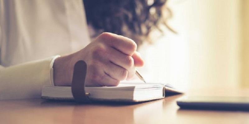 فواید نوشتن با دست به جای تایپ کرن