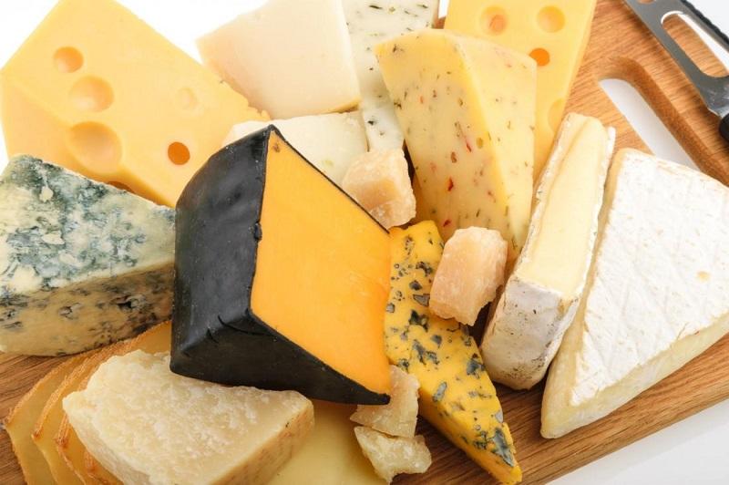 خوبیها و بدیهای پنیر