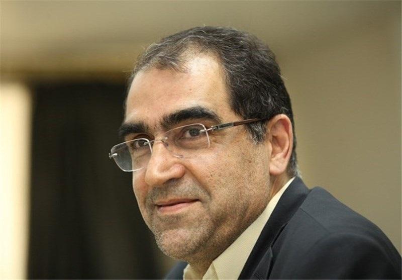 تلاش آقای وزیر برای سلفی گرفتن+ عکس