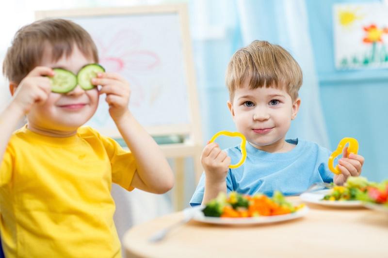 بهترین زمان برای اصلاح تغذیه کودکان چه زمانی است؟