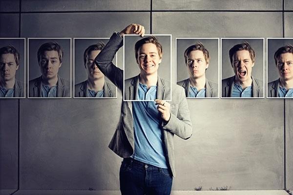 ۹ ویژگی شخصیتی که دیگران تنها با نگاه کردن به شما به آن ها پی می برند