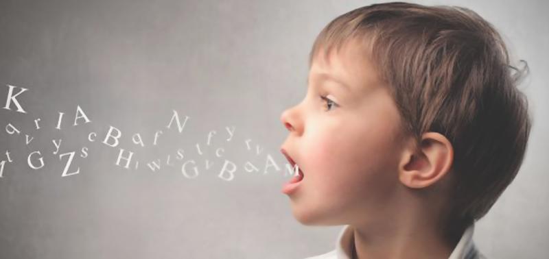 نشانههای اولیه برای تشخیص لکنت زبان + راههای درمان