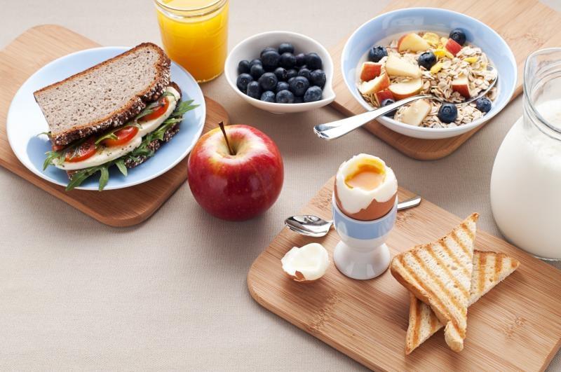 روزهاي تعطيل صبحانه خوردن را به خوابيدن ترجيح دهيد
