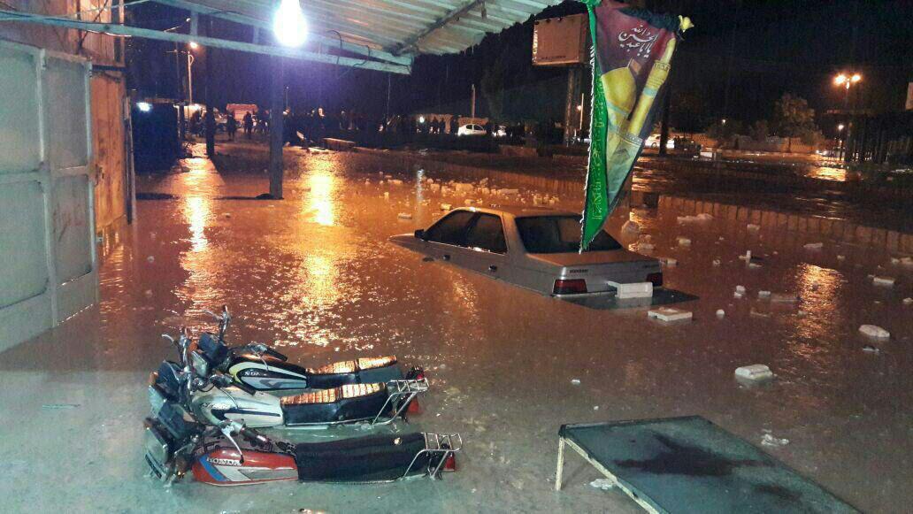 تصویری از شدت سیل در شهر دیر استان بوشهر