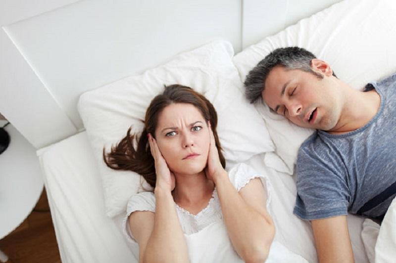 دلیل حرف زدن در خواب