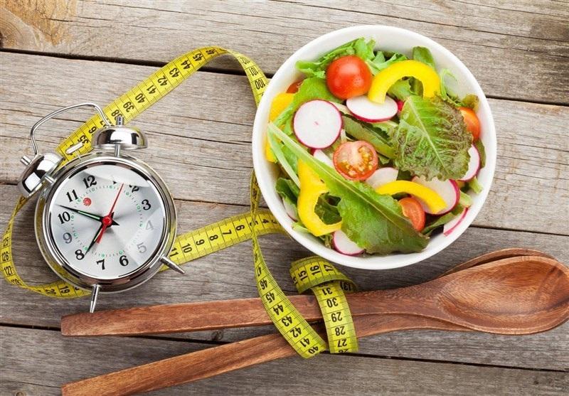 فواید سرساعت غذا خوردن